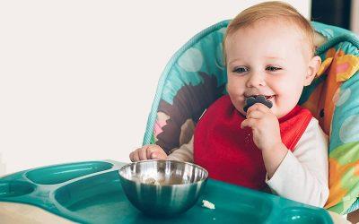 Couverts ergonomiques pour bébé : Favoriser l'autonomie en toute sécurité